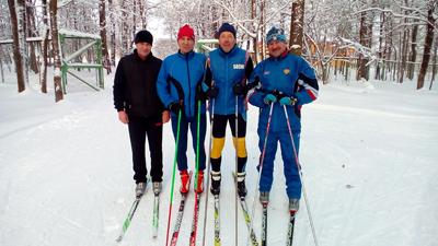 Богданов-второй-справа-P_20