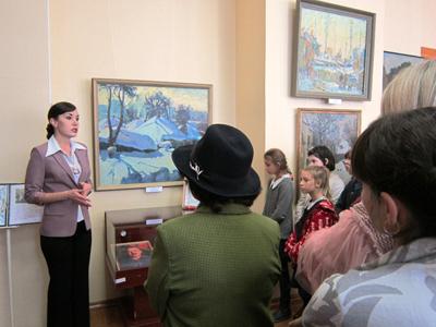 Экскурсия-по-выставке-Юрия-
