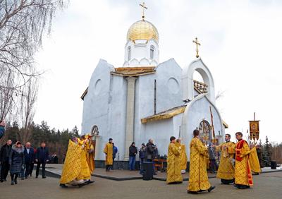 Освящение-храма-на-ОЭМК-(3)